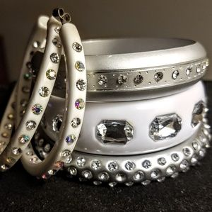 Jewelry - Vintage lucite bangles and earrings set